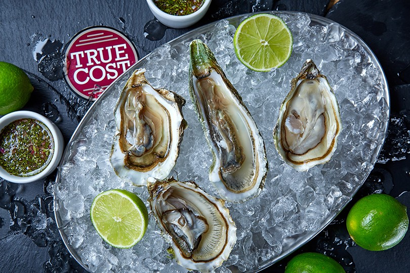 m_main_oysters_true-cost-bar-and-grill_posta-magazine